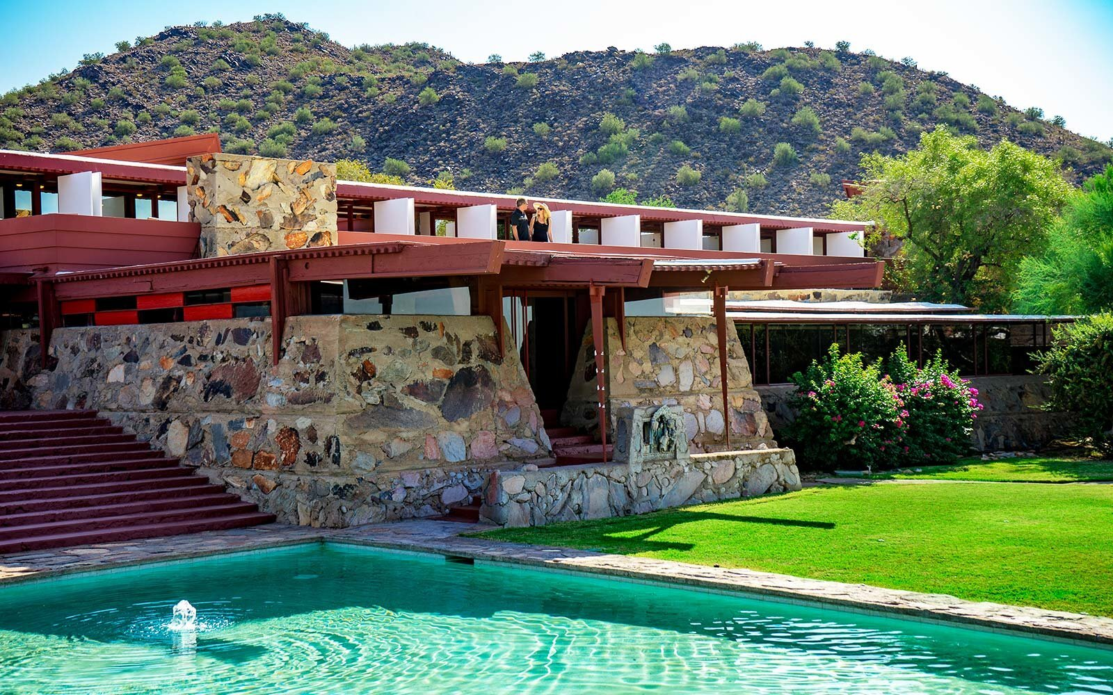 10 Must-See Houses Designed by Architect Frank Lloyd Wright | Travel