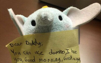 The Note A Daughter Left In Her Fathers Suitcase Is Giving Us All