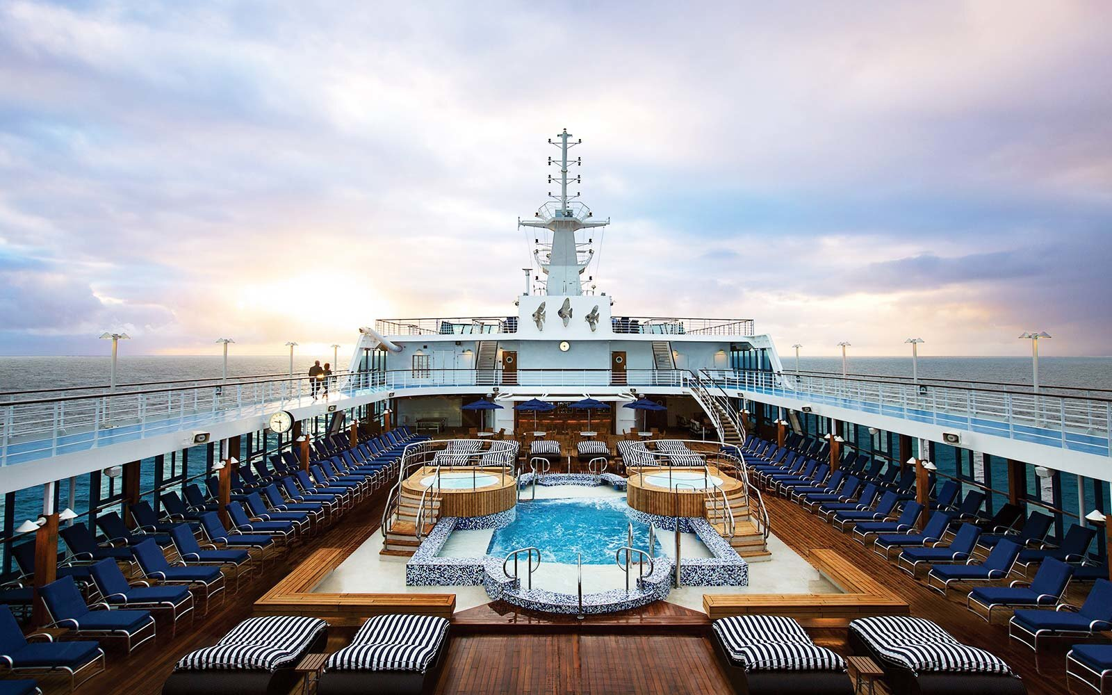 The 10 World's Best Large-ship Ocean Cruise Lines in 2017
