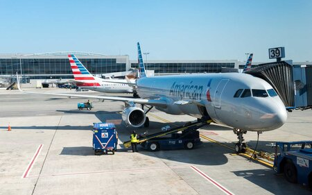 7bc37bd24bb1 Everything You Need to Know About American Airlines Baggage Fees ...