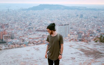 A Travel Blogger Reveals the 'Dirty Secrets' Behind Some Successful