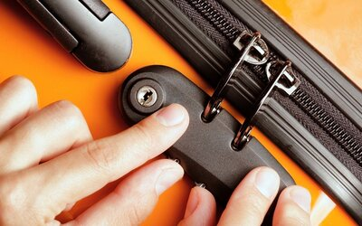 Suitcase Locks Are Basically Useless, but There Is One Way to Keep