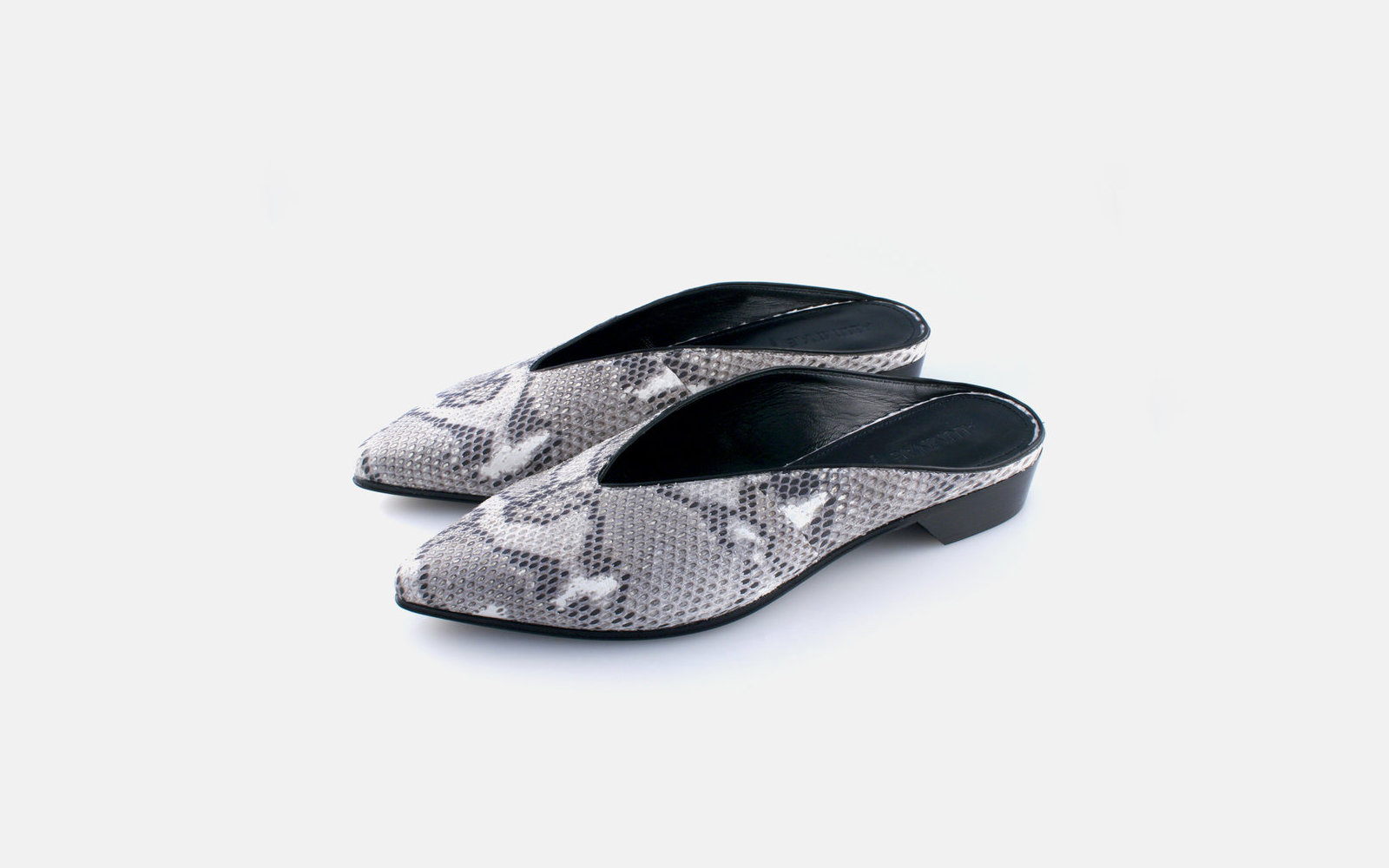 Alumnae Pointy Almond Mules