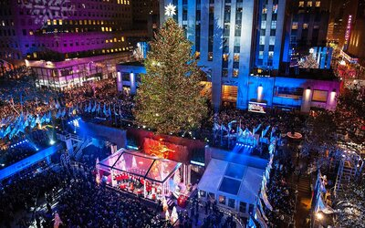Get A First Look At This Year S Rockefeller Center Christmas Tree