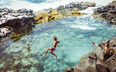 This Secret Volcanic Pool in Hawaii Is a Thrill-seeker's