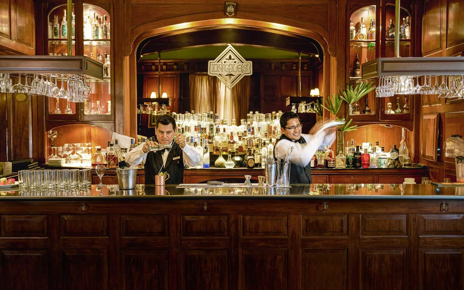English Bar at the Country Club Lima Hotel