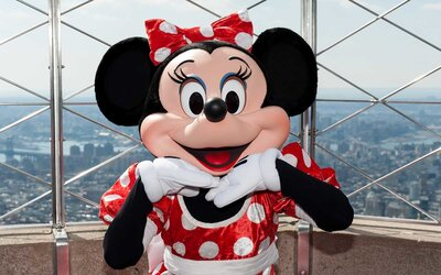 Christmas Minnie Mouse Disneyland.The Hottest New Minnie Mouse Ears At Disneyland Are Actually