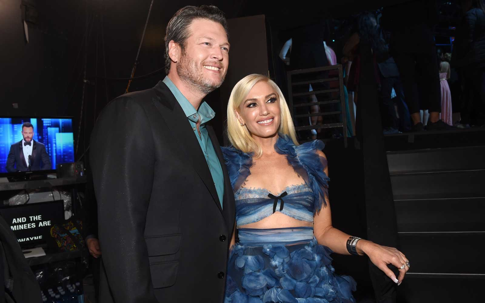 Blake Shelton and Gwen Stefani backstage