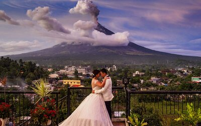 These Wedding Photos In Front of an Erupting Volcano are Stunning