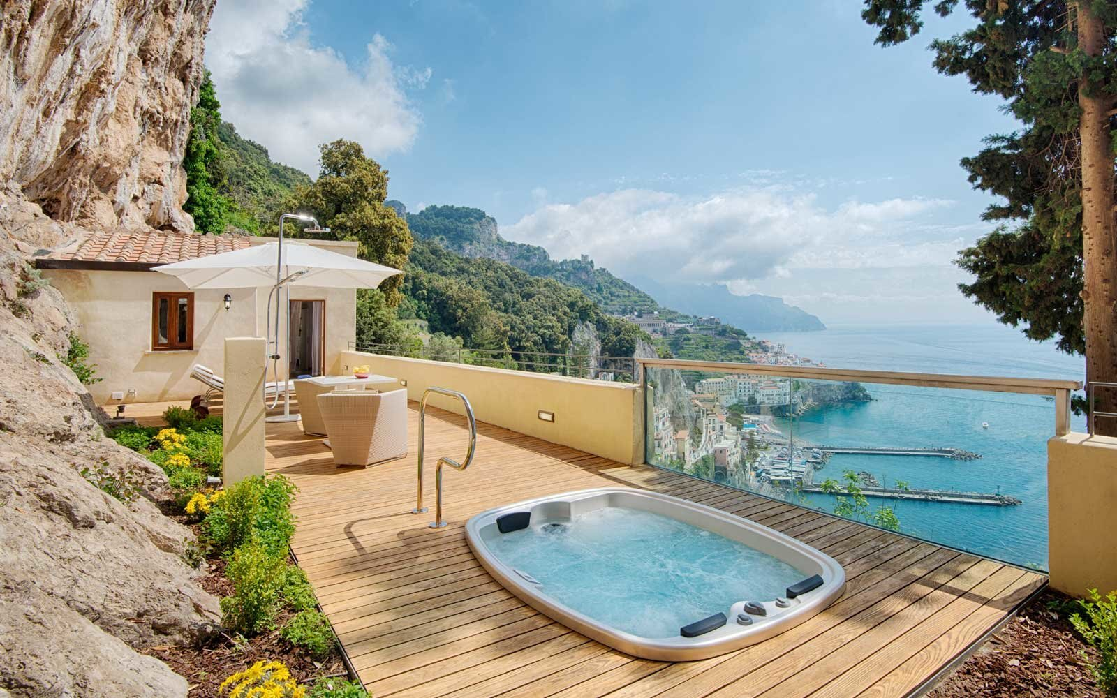 bd598ca04605 20 Luxury Vacations That Are Surprisingly Affordable