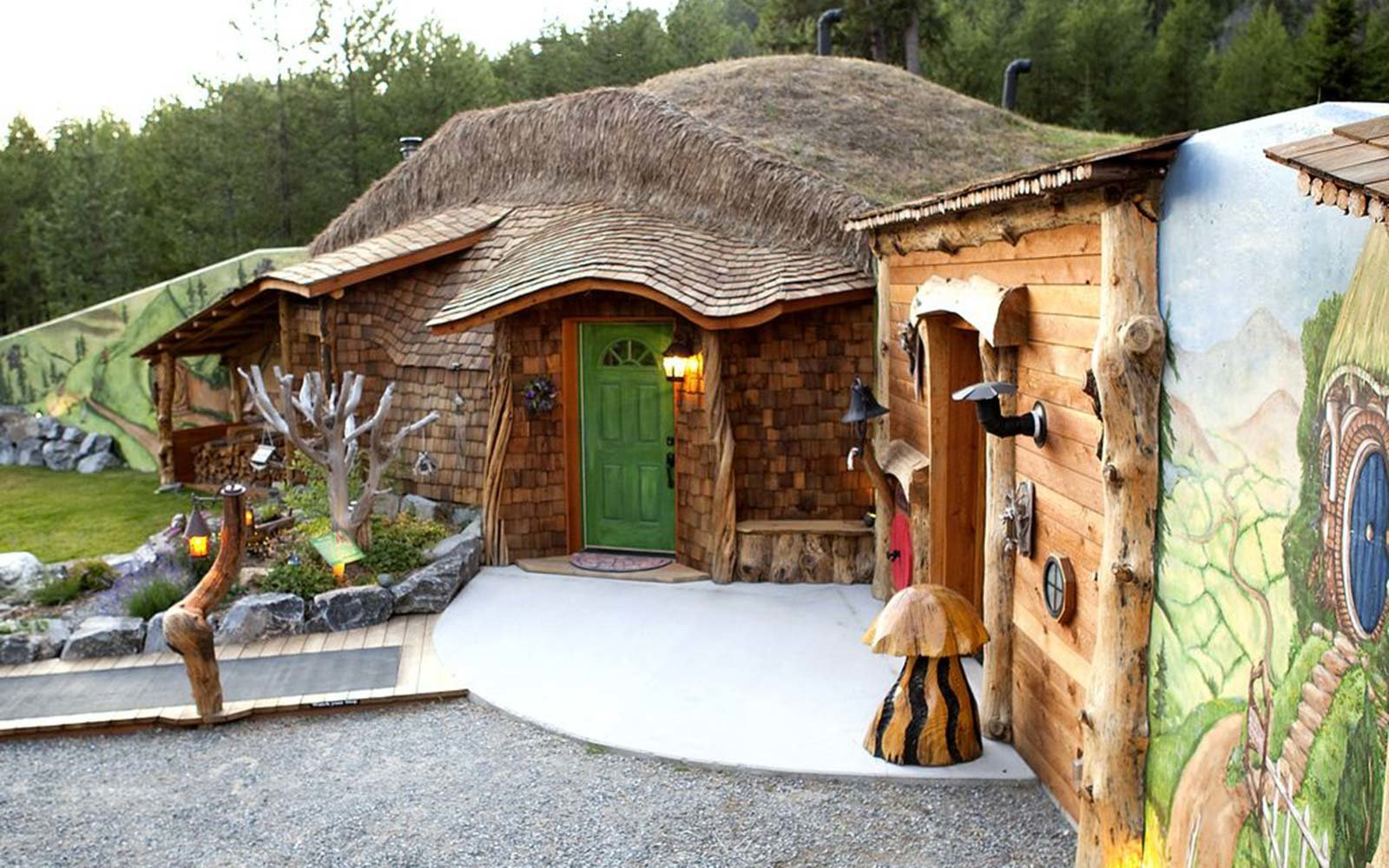Movie Themed Hotels The Shire House Rental Montana