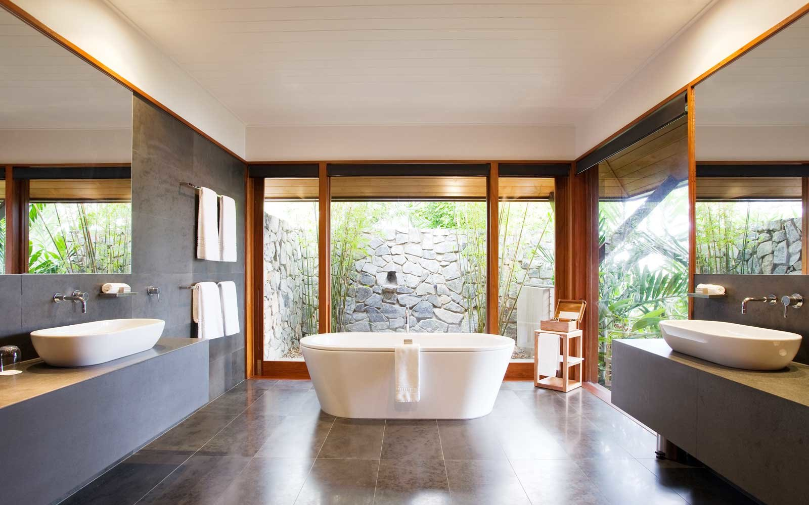 Luxury bathroom at the Qualia resort on Hamilton Island