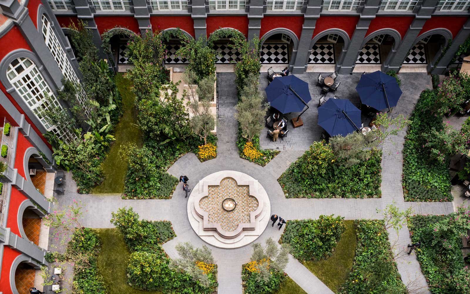 best-city-hotels-mexico-four-seasons-lead-MEXCITYHOTELSWB18.jpg
