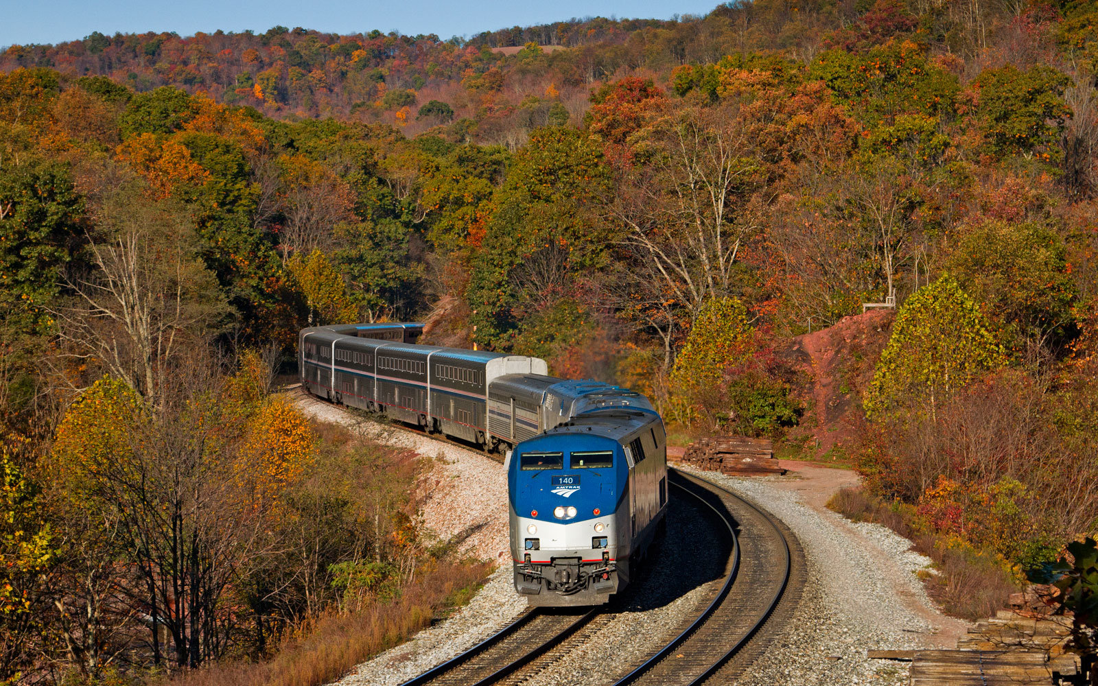 Amtrak Is Having a 2-for-1 Sale on Private Roomettes So You Can Book Your Dream Train Trip With a Friend (Video)