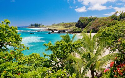 a1fec9b7ffef1 Here's What to Wear in Hawaii   Travel + Leisure