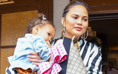 493359250b89e Chrissy Teigen Just Took a 15-hour Flight With Her Kids and the Tweets Are  Oh so Relatable