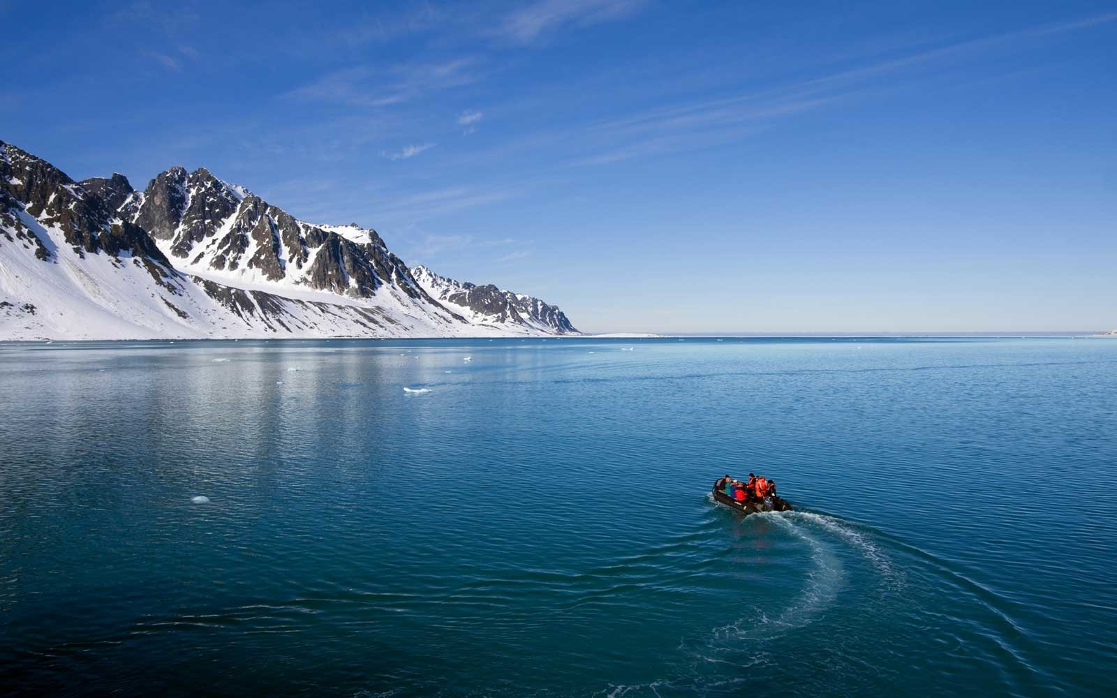 Spitsbergen, Norway, Arctic boat adventure in Magdalenefjord
