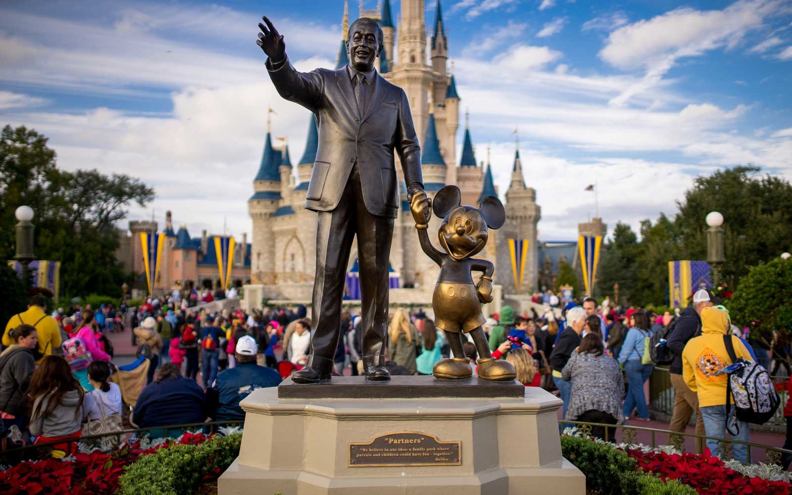 These Are the Best and Worst Times to Go to Disney World in 2019 (Video)