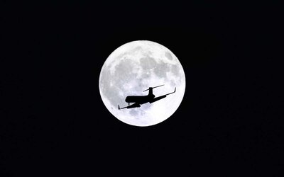 Real Snow Began After Dark >> How To See The Super Snow Moon The Biggest And Brightest Moon Of