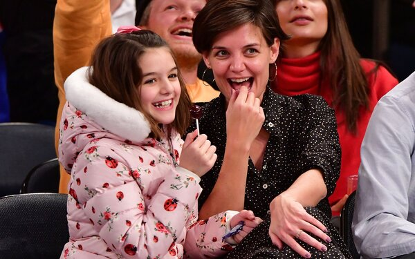 1975f920939 These Photos Prove That Katie Holmes and Daughter Suri Know How to ...