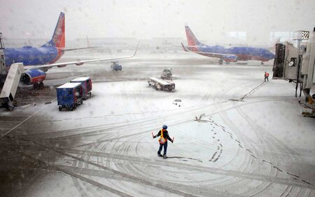 Airlines Are Waiving Change Fees Ahead of Major Winter Storm This ... 508e8a6d0addf