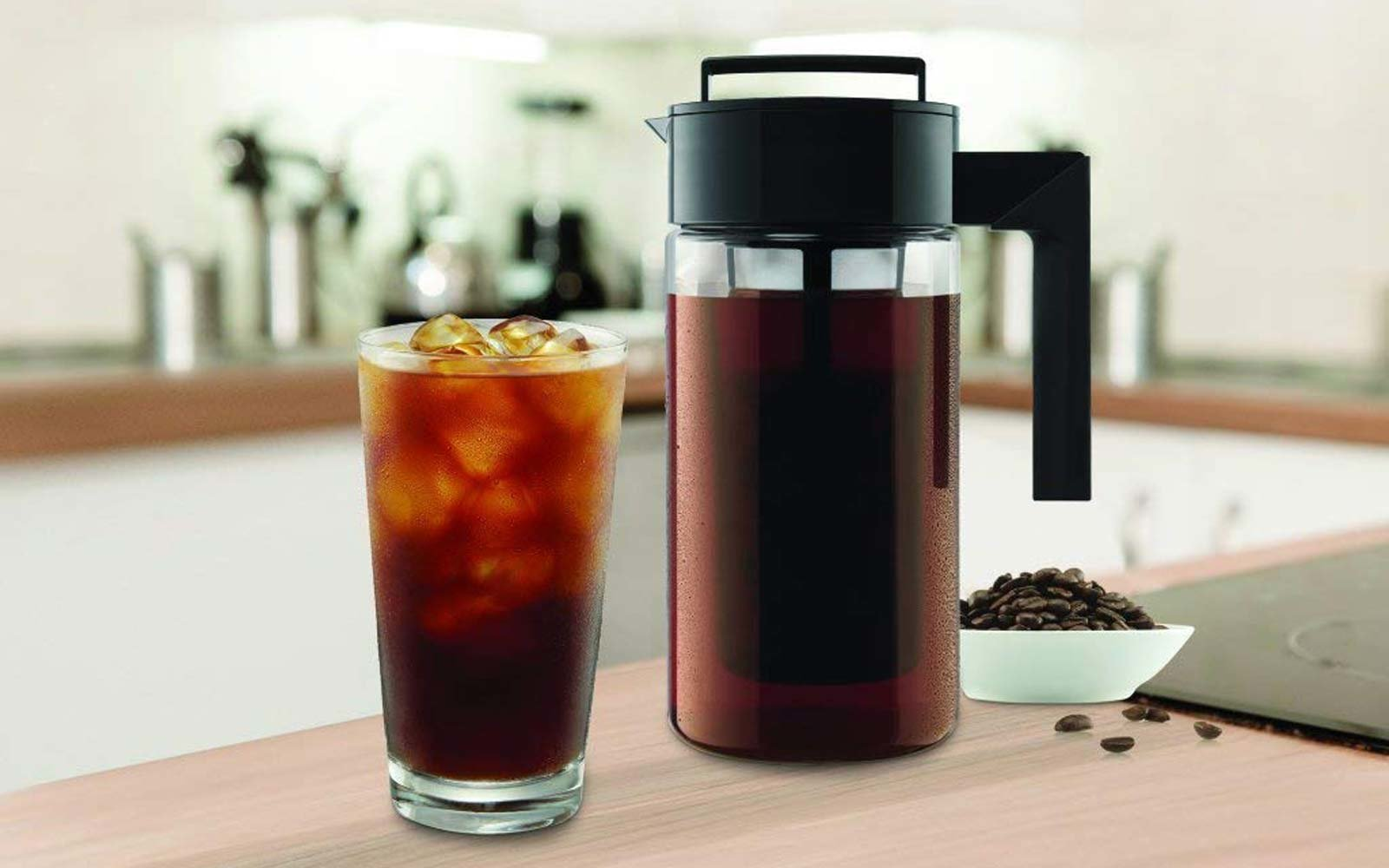 This Cold Brew Coffee Maker Has Over 1,800 5-star Reviews on Amazon — and It's Only $25