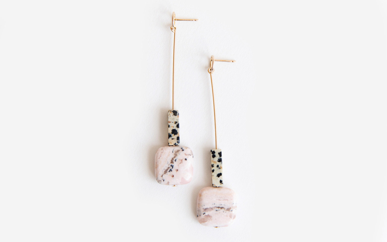 Cursive Design Speckled Drop Earrings