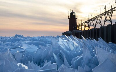 Lake Michigan Is Thawing Into a Giant Pit of Ice Shards and