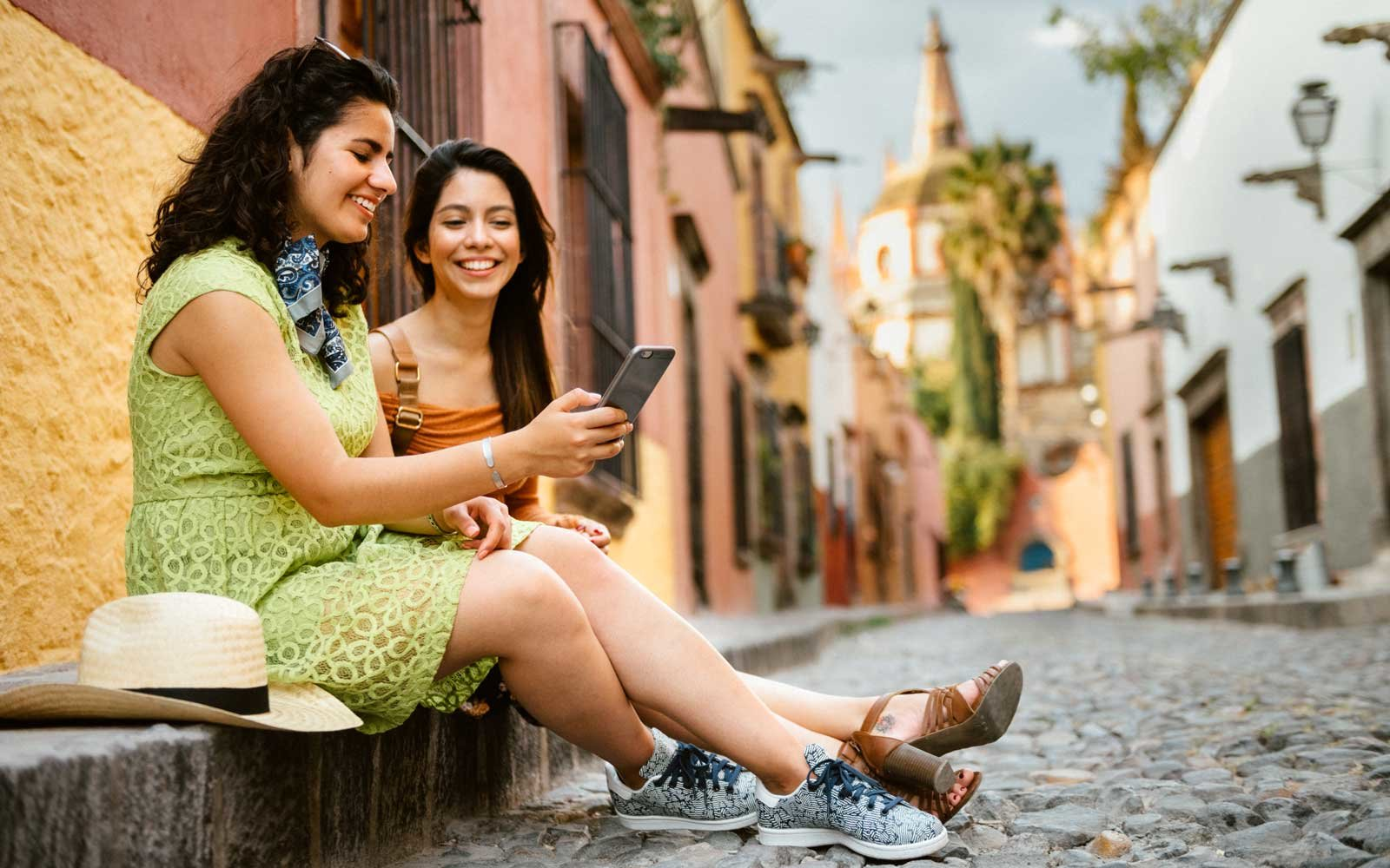 Girlfriends Traveling Mexico