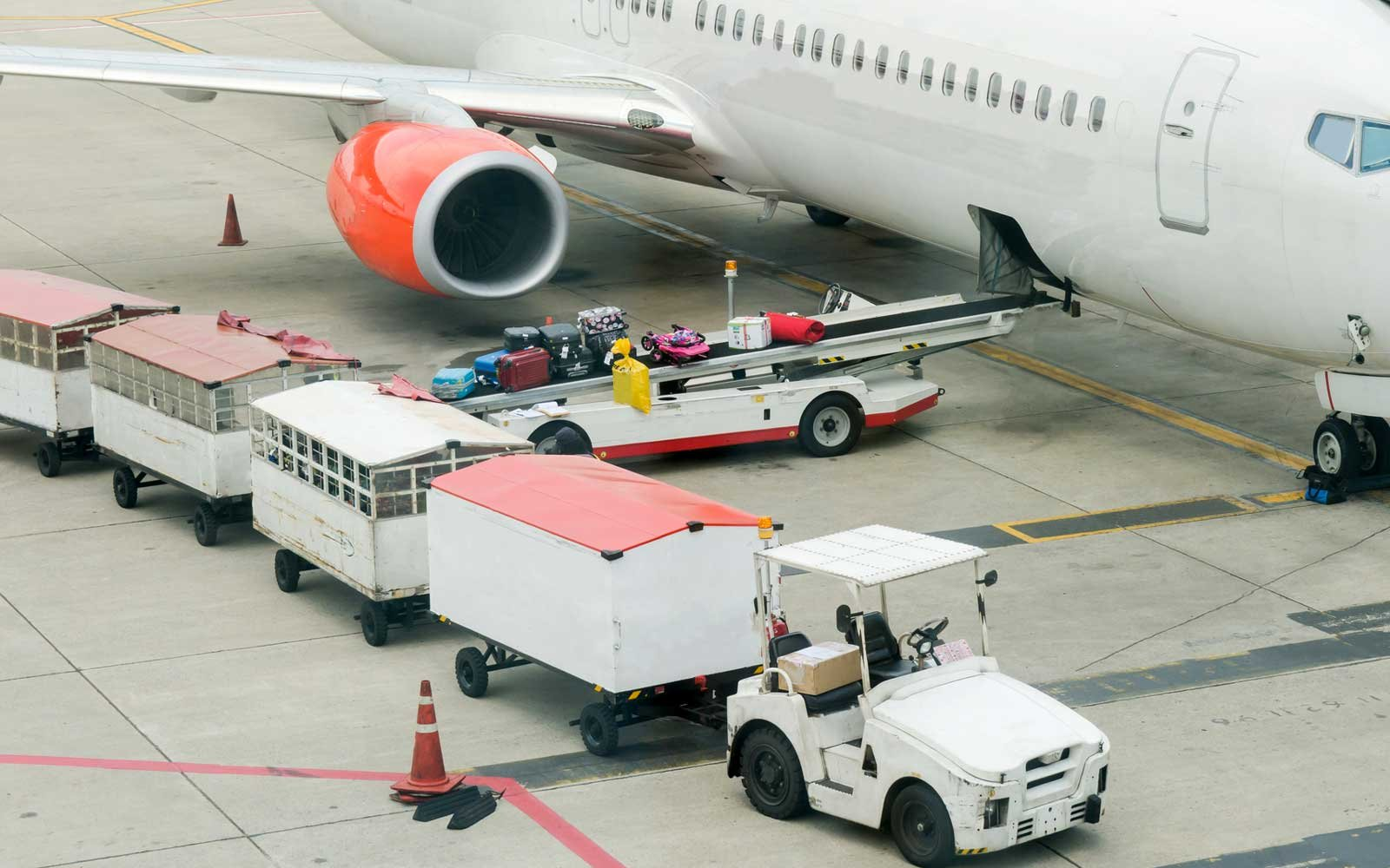 Baggage, airport, airplane
