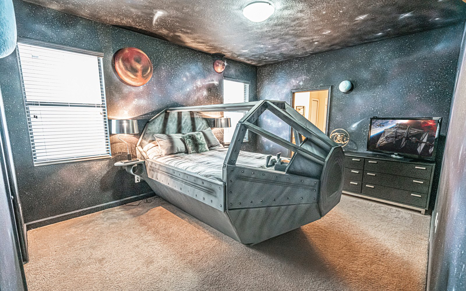 Star Wars airbnb from Loma Homes