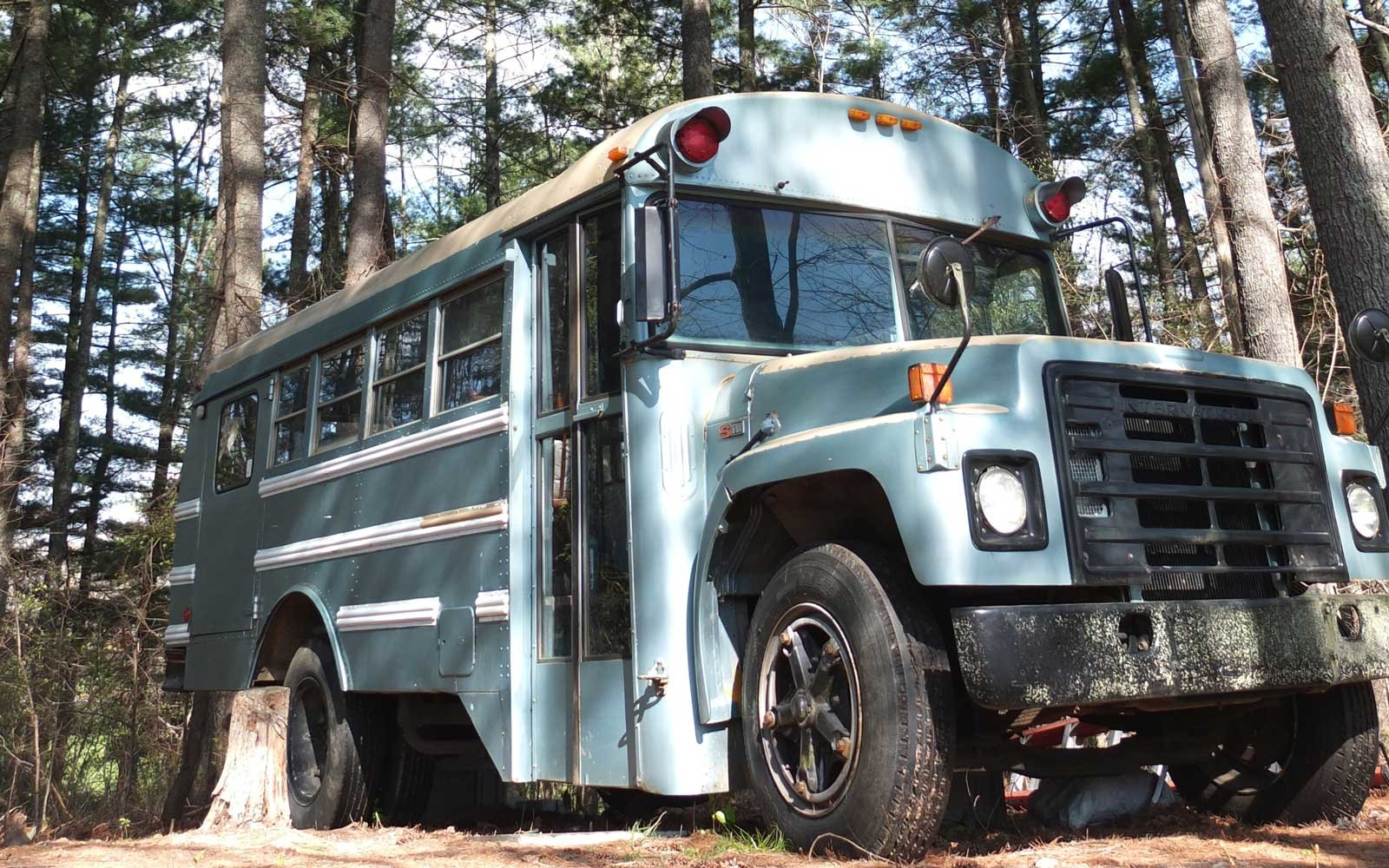 Airbnb Bus on a Farm in Weaverville, NC