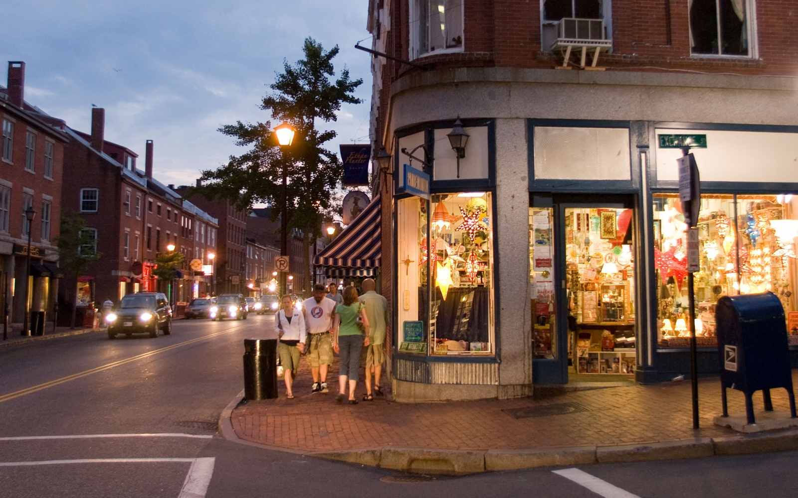 201411-w-americas-most-and-least-attractive-people-portland-me