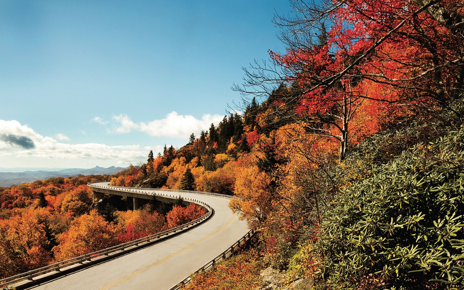 6ba27f1891 America's Best Drives for Spotting Changing Leaves | Travel + Leisure