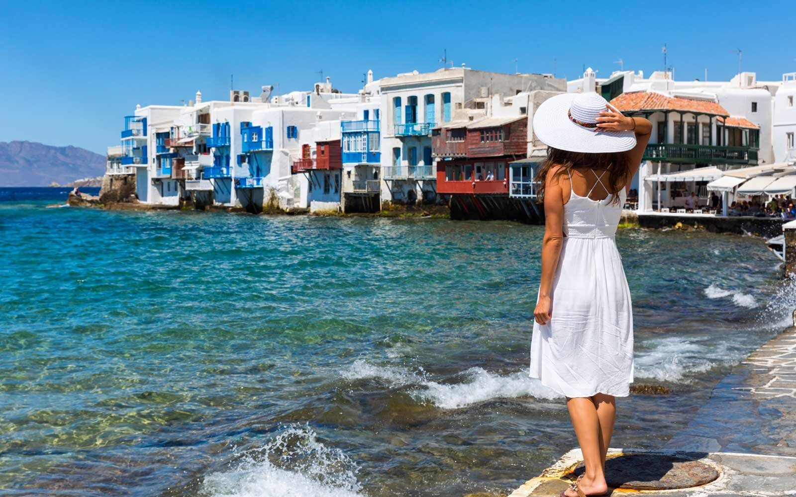 9edfbfa4d4 13 Comfortable Dresses That Are Made to Travel In