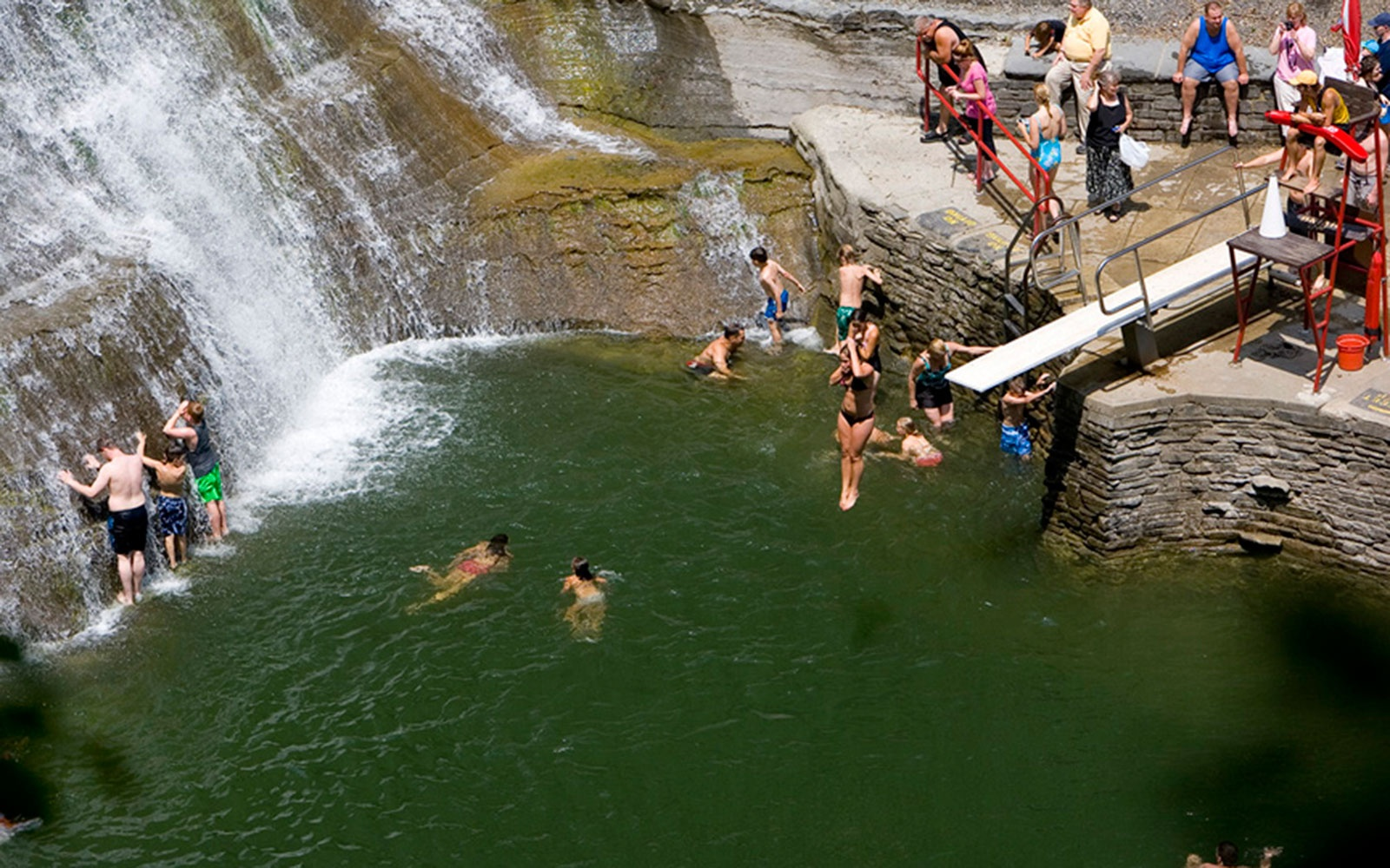 201406-w-americas-best-swimming-holes-enfield-falls