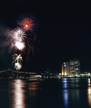 New Orleans: Go 4th on the River