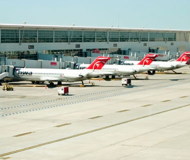 Best Airlines for Luggage Handling: #7 Northwest Airlines