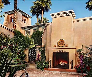 outdoor fireplace at Royal Palms Resort & Spa in Phoenix, AZ