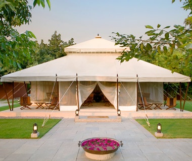 Katy Perry & Russell Brand — Aman-i-Khás Resort, India