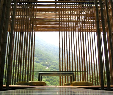 The Bamboo Wall House at Commune by the Great Wall,China