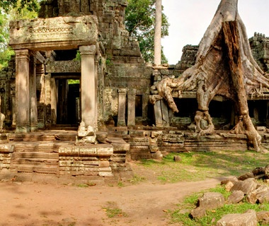 201210-w-celebrity-favorite-places-angkor-cambodia