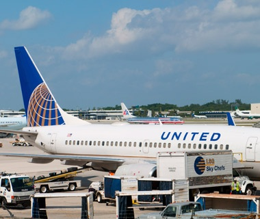 United airplane at the airport