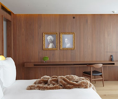 Best Hotel, 100 or More Rooms London Edition