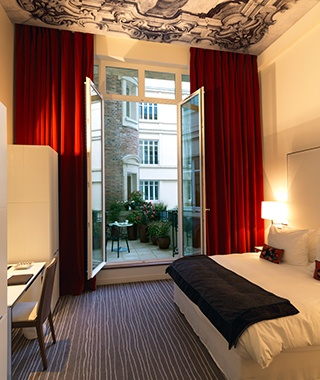201408-w-top-hotel-chains-for-business-travel-intercontinental