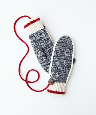 201410-w-cabin-chic-roots-mittens