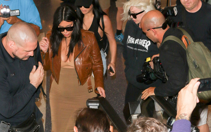 Kim Kardashian Courtney Kylie Aiport paparazzi