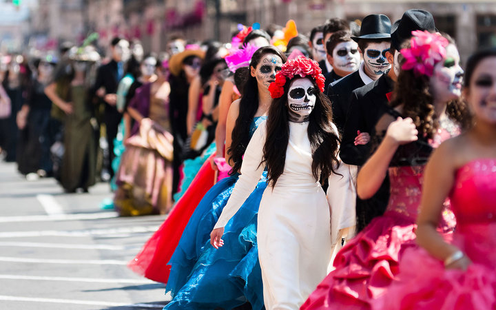 What to Know About Dia De Los Muertos 2016