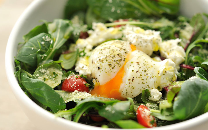 Why You Should Really Be Putting an Egg On Your Salad