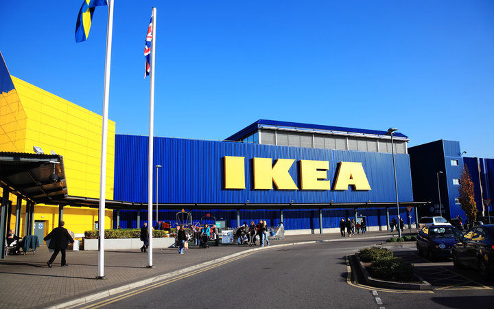 Ikea to Buy Rugs From Refugees